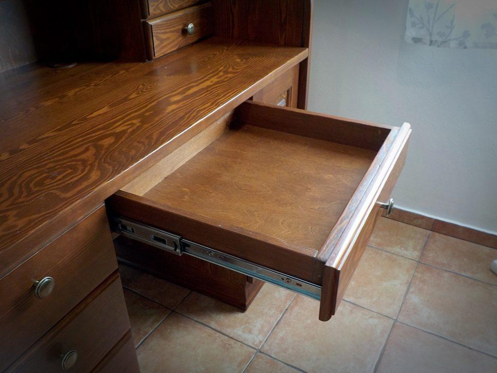asztal01-048